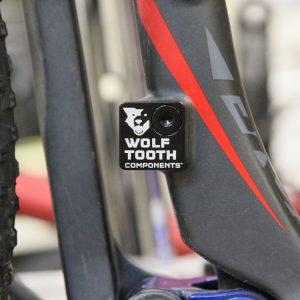 Cover attacco deragliatore Wolf Tooth